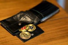 Nuovi fondi virtuali dorati Bitcoins Immagine Stock