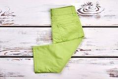 Nuovi pantaloni di marca della neonata Immagine Stock