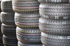 Nuovi pneumatici di estate Fotografie Stock