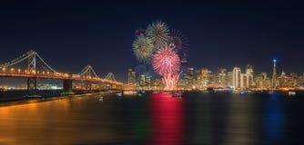 Nuovo anno del ` dei fuochi d'artificio a San Francisco, California, U.S.A. Fotografie Stock Libere da Diritti