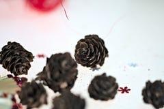 Nuovo anno, festa, luminosità, scintillio, ghirlanda, natale, festivo, candela, palla, palle, decorazione, regali, giocattoli fotografie stock libere da diritti
