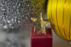 Nuovo anno, festa, luminosità, scintillio, ghirlanda, natale, festivo, candela, palla, palle, decorazione, regali, giocattoli immagine stock