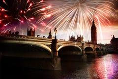 Nuovo anno nella città - Big Ben con i fuochi d'artificio Fotografie Stock Libere da Diritti