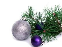 Nuovo anno, palle di Natale, rami del pino Immagine Stock