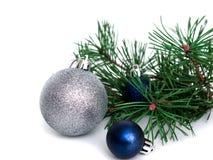Nuovo anno, palle di Natale, rami del pino Fotografia Stock Libera da Diritti