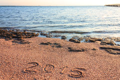 Nuovo anno 2015 scritto sulla spiaggia Fotografia Stock Libera da Diritti