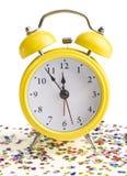 Nuovo anno su una sveglia gialla Immagini Stock Libere da Diritti