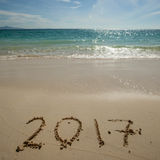 Nuovo anno 2017 sulla spiaggia Immagine Stock