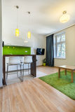 Nuovo appartamento con spazio aperto Fotografie Stock Libere da Diritti