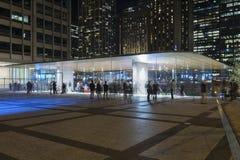 Nuovo Apple Store in città immagini stock libere da diritti