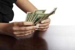 Nuovo calcolo manuale di soldi Fotografia Stock