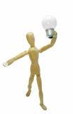 Nuovo concetto di idea Figura di legno dell'uomo e lampadina elettrica leggera Fotografia Stock Libera da Diritti