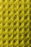 Nuovo fondale giallo dello strofinaccio della cucina fotografie stock libere da diritti