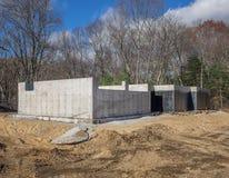 Nuovo fondamento concreto della casa con l'impermeabilizzazione Fotografie Stock