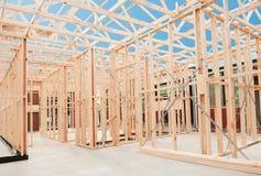 Nuovo inquadramento domestico della costruzione. Fotografie Stock