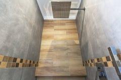 Nuovo interno del bagno nella casa Immagini Stock Libere da Diritti