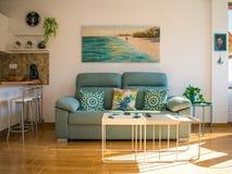 Nuovo interno moderno domestico fotografia stock