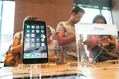 Nuovo iPhone 6 di Apple e iPhone 6 più Fotografie Stock Libere da Diritti