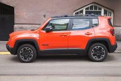 Nuovo Jeep Renegade rosso brillante Fotografie Stock