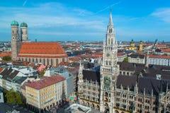 Nuovo municipio Marienplatz di Munchen Immagine Stock Libera da Diritti