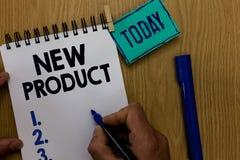 Nuovo prodotto del testo di scrittura di parola Il concetto di affari per beni e servizi che differiscono nelle loro caratteristi immagine stock