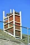 Nuovo tetto con il camino immagine stock