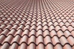 Nuovo tetto con le piastrelle di ceramica immagine stock immagine