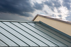 Nuovo tetto del metallo Fotografia Stock Libera da Diritti