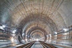 Nuovo tunnel ferroviario in montagne carpatiche, Ucraina Immagini Stock Libere da Diritti