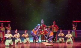 Nupcial procesión-ella danza popular aduana-china de la nacionalidad Imágenes de archivo libres de regalías
