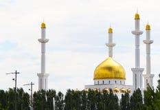 Nur Astana-Moschee und -himmel Lizenzfreies Stockfoto