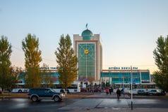04 10 2011 nur-Sultan, het Centrale Station van Astana Astana is de hoofdstad van Kazachstan en de second-largest stad in cou royalty-vrije stock afbeeldingen