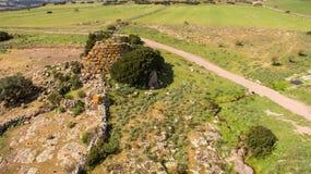 Nuraghe στη Σαρδηνία που βλέπει με τον κηφήνα στοκ φωτογραφίες