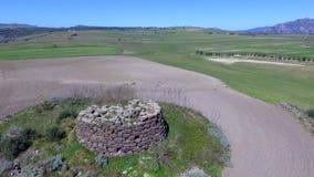 Nuraghe στη Σαρδηνία που βλέπει με τον κηφήνα φιλμ μικρού μήκους