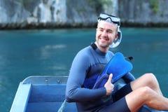 Nurek wokoło skakać w ocean zdjęcia stock