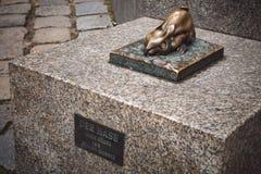 NUREMBERG, ALEMANHA - 26 DE ABRIL DE 2016: Escultura do metal do coelho n Imagem de Stock Royalty Free