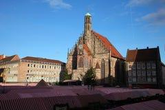 NUREMBERG, ALEMANHA - 23 DE DEZEMBRO DE 2013: O Natal o mais famoso justo em Alemanha Christkindlesmarkt Fotografia de Stock