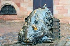 Nuremberg, Alemania Escultura del conejo - tributo a Albrecht Durer Imagenes de archivo
