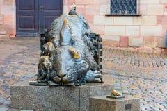 Nuremberg, Allemagne Sculpture en lapin - hommage à Albrecht Durer images stock