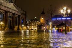 Nuremberg, ciudad vieja de la noche Alemania-lluviosa Imagen de archivo