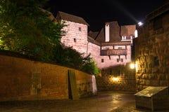 Nuremberg Duitsland, Kasteel Kaiserburg op het historische stadscentrum stock foto