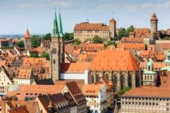 Nuremberg för flyg- sikter (NÃ-¼rnberg) Tyskland slott, kyrka för st Sebaldus Arkivfoton