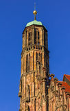 Nuremberg (Nuernberg), Niemcy szczegóły nakrywają kościół Nasz dama Obraz Stock