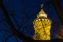 Nuremberg (Nuernberg), Tyskland-torn imperialistisk slott på natten arkivbilder