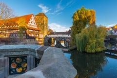 Nuremberg-Tyskland-gammal stad-flod Pegnitz Arkivfoton