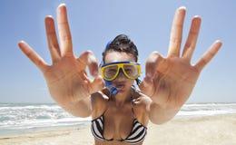 nurkowy dziewczyny maski dopłynięcie Obraz Stock