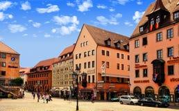 NURNBERG, GERMANIA - 13 LUGLIO 2014: Hauptmarkt, il quadrato centrale immagine stock