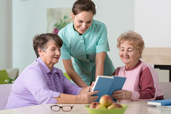 Nurse and older women Royalty Free Stock Photography
