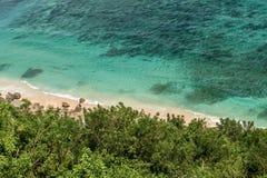 Nusa Dua Uluwatu met mooie klippen en stranden in Bali, Indo stock foto