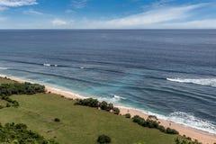 Nusa Dua Uluwatu met mooie klippen en stranden in Bali, Indo royalty-vrije stock afbeeldingen